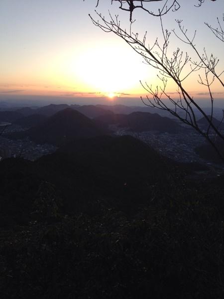日の出を見に金華山へ。