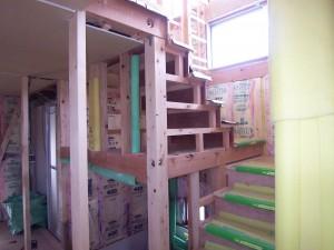 岐阜のFrameWork設計事務所の現場「六地蔵の家」 階段ができてきました。