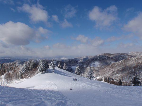 飛騨高山スキー場 パウダースノー 澄んだ空気