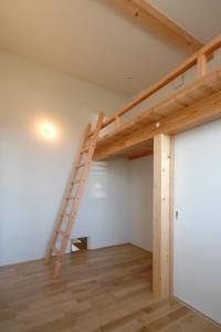 岐阜のFrameWork設計事務所の物件「六地蔵の家」 子供室 ロフト ハシゴ付