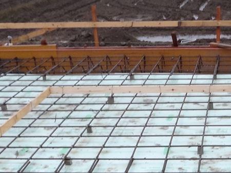 岐阜のFrameWork設計事務所の現場「美容室 Frank」 配筋検査 鉄筋が綺麗に組まれています。