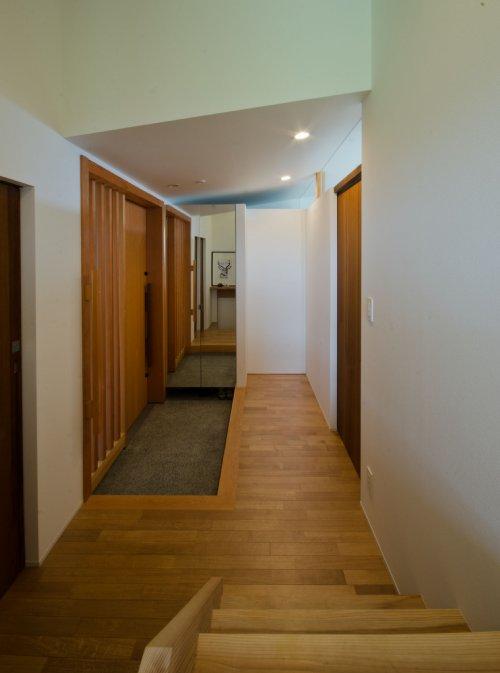 08 岐阜のFrameWork設計事務所の物件 七郷の平屋 和室から玄関