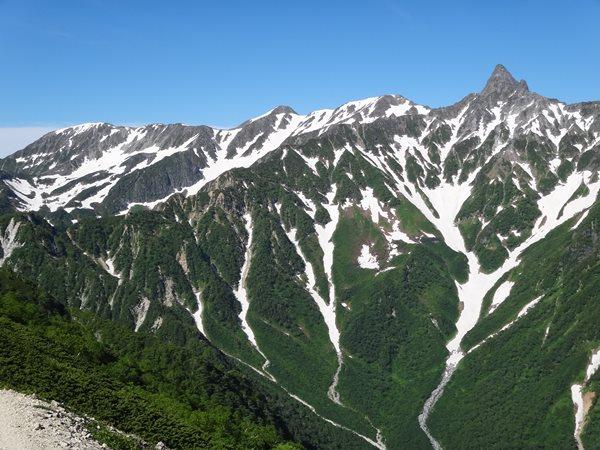 06 北アルプス表銀座縦走 東鎌尾根から槍ヶ岳 残雪が綺麗