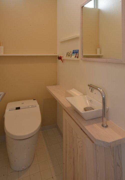 08 岐阜のFrameWork設計事務所の物件「美容室 Frank」 トイレ