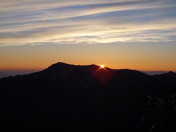 槍ヶ岳-上高地 日の出