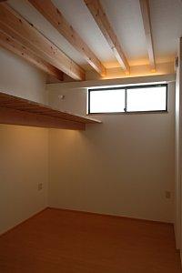 岐阜のFrameWork設計事務所の物件「西中島の家」の子供室、ロフトがあります