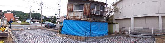 岐阜のFrameWork設計事務所の現場「上土居の家」の基礎の配筋完了です