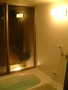 岐阜のFrameWork設計事務所の物件「西中島の家」のお施主さんから送られてきた写真 お庭付きの開放的なお風呂