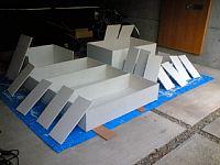 岐阜のFrameWork設計事務所の物件「七郷の家」の車庫でDIY 合板でできた本棚を白く塗装