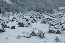 岐阜県の世界遺産白川郷へ 雪の合掌造り 白く染まってとてもキレイです