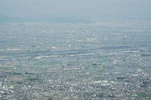 池田山山頂へドライブ グライダー出発点からの眺め 「池田の家」の土地も眺められます。