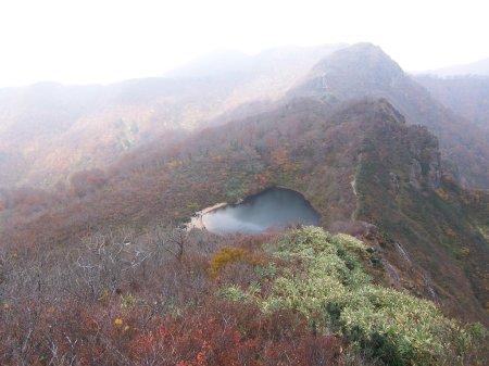 岐阜 夜叉ヶ池 山の上にある池
