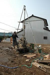 岐阜のFrameWork設計事務所の現場「各務原の家」 地盤調査中 標準貫入試験(ボーリング)の様子
