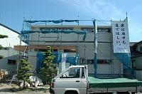 岐阜のFrameWork設計事務所の現場「大野町の家」 垂れ幕に「家は途中も見て欲しい」