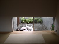 岐阜 FrameWork設計事務所 七郷の家 白い砂利 和室の庭にも敷きます 施工前 別アングル