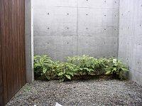 岐阜 FrameWork設計事務所 七郷の家 白い砂利 和室の庭にも敷きます 施工前