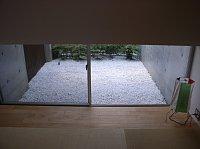 岐阜 FrameWork設計事務所 七郷の家 白い砂利 和室の庭にも敷きます 施工完了 とても綺麗でいい感じ 別アングル