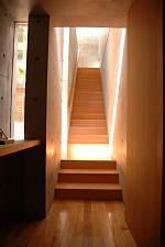 岐阜 FrameWork設計事務所 七郷の家 光が降り注ぐ階段