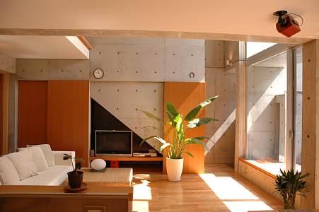 岐阜 FrameWork設計事務所 七郷の家 吹き抜けのある明るい開放感のあるリビング