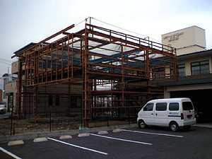 岐阜 FrameWork設計事務所 中古車販売 自動車修理工場 SAMGARAGE 鉄骨造 2階建 建方 完了